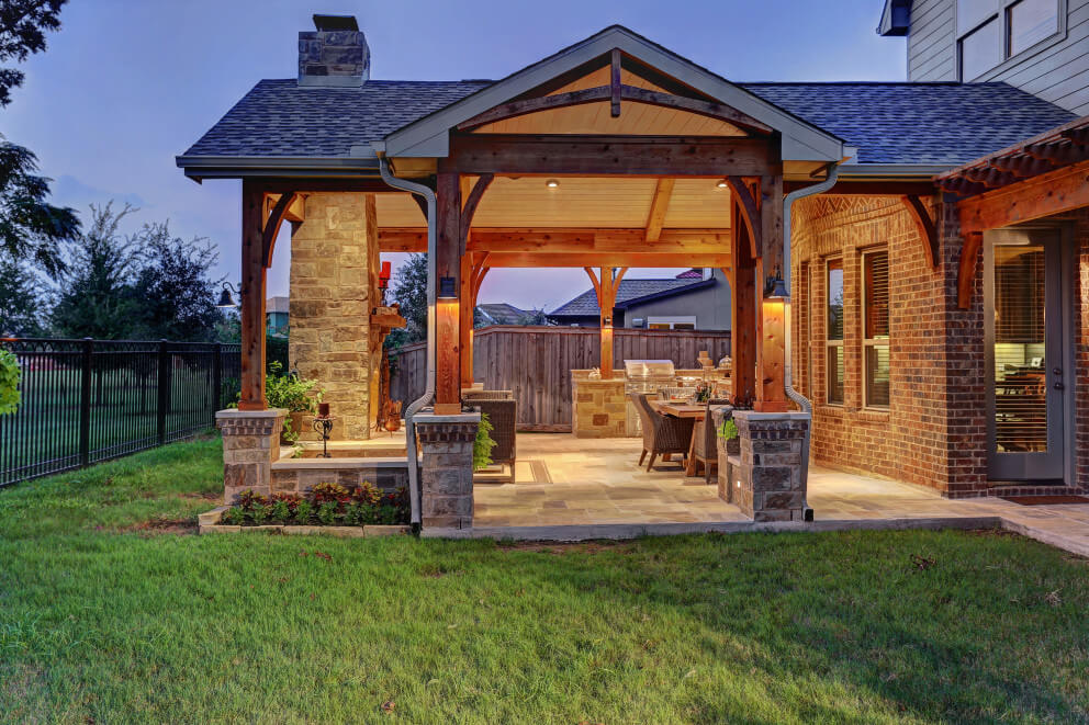 full view of outdoor living space