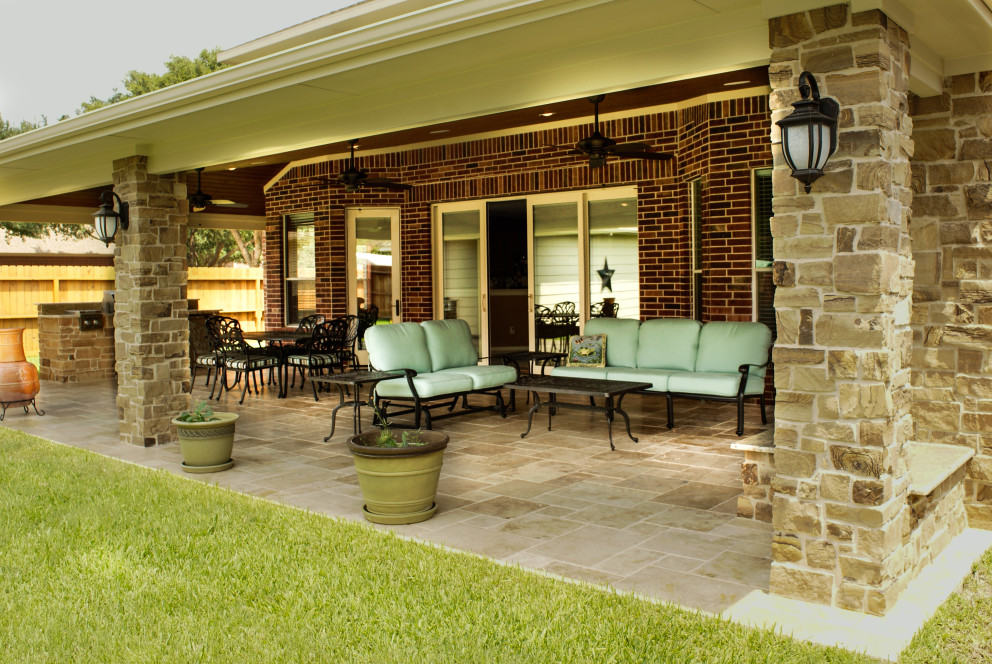 Great covered patio along the back of this Katy home
