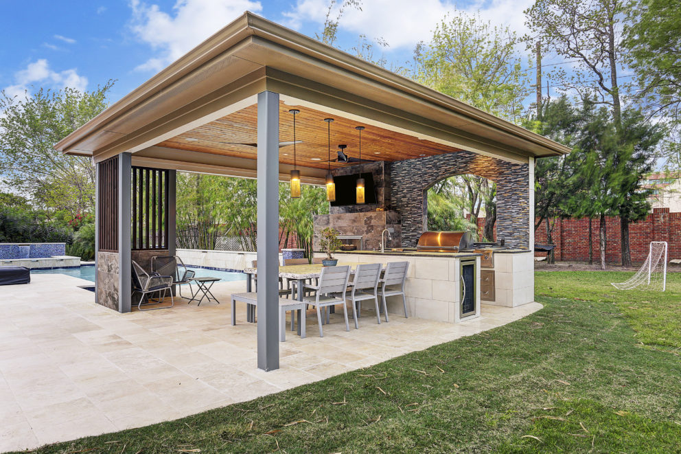 Contemporary Pool House Houston