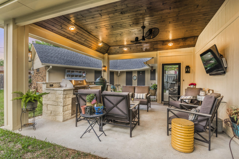 Outdoor living and kitchen Grand Prairie