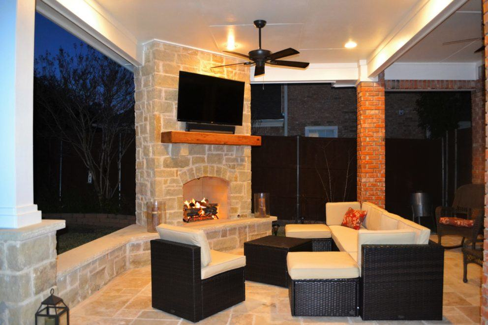 Covered patio and fireplace Irving