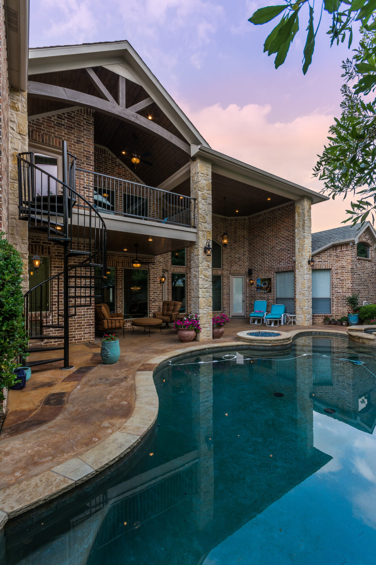 Frisco outdoor living and balcony