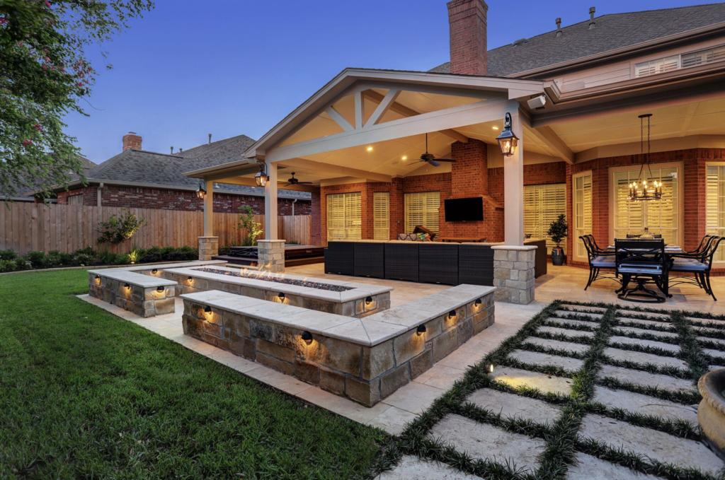 Patio Design - Houston & Dallas - Texas Custom Patios on Farmhouse Outdoor Living Space id=79320